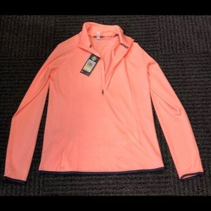 NWT under Armour long sleeve pull over size M